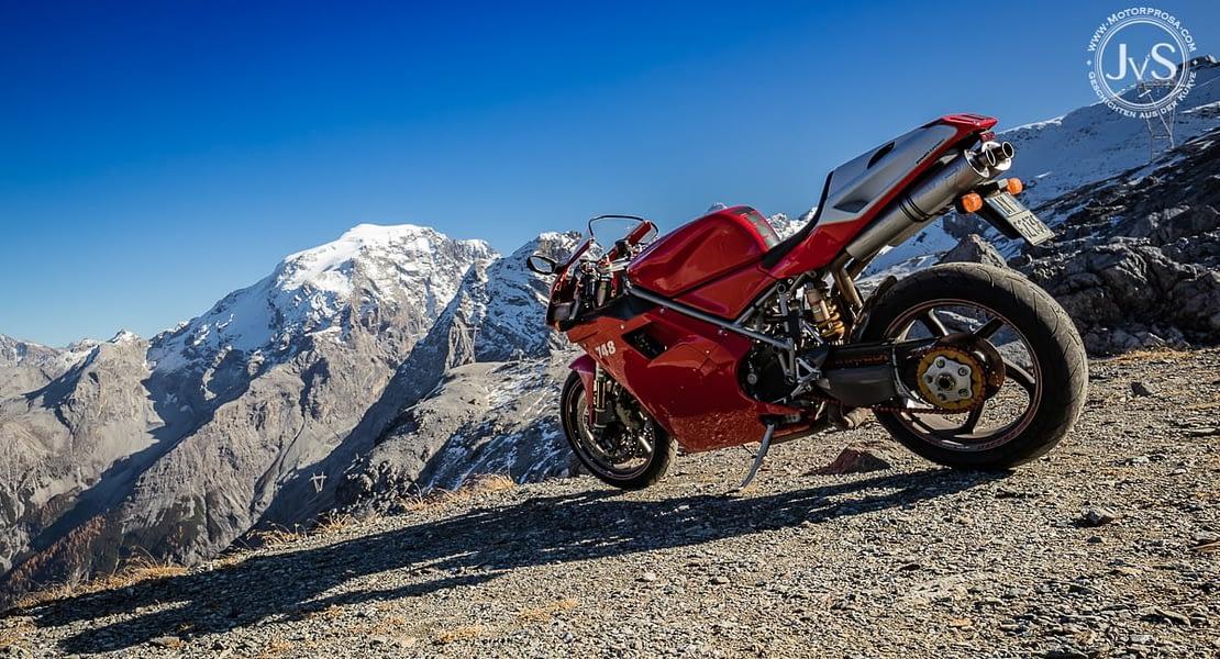 Mit der (lauten) Ducati auf dem Stilfser Joch