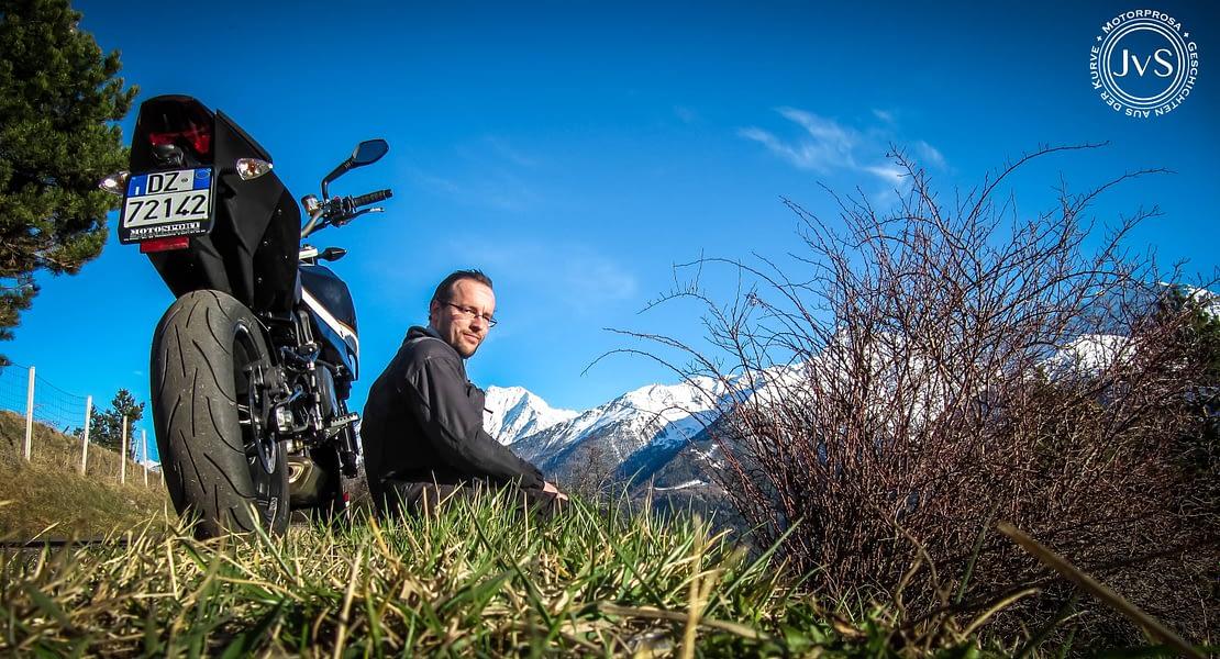 Über mich: JvS - Jürgen von Schluderns   Motorprosa • Geschichten aus der Kurve