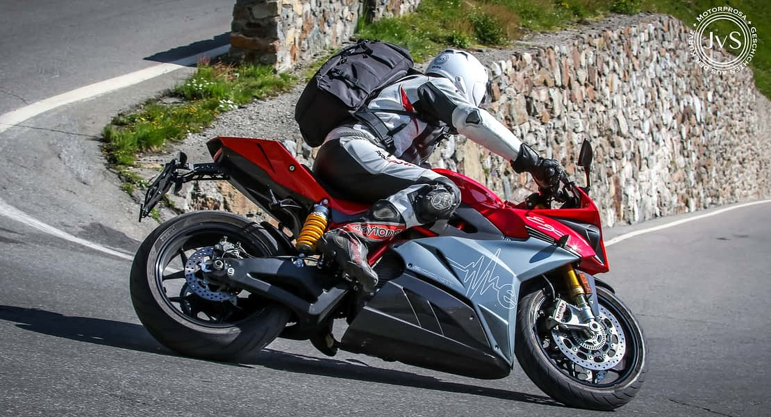 Energisch Motorradfahren – mit der Energica Ego (www.motorprosa.com)